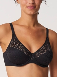 Chantelle Norah Molded Underwire Bra in Black